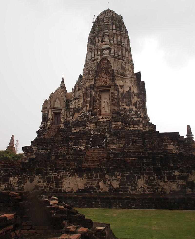Thailande - Temple de Wa Ratchaburana.JPG