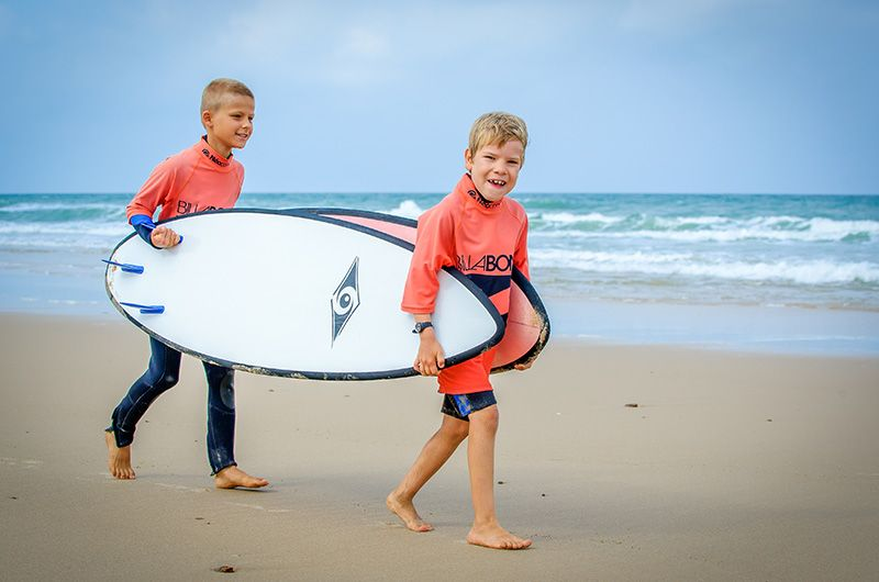 Sport ludique enfant surf