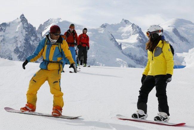 Apprendre-le-snowboard-facilement-Adultes-vacances.jpg