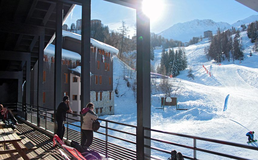 Village-vacances-sportif-La-Plagne-colos-dhiver-ski.jpg