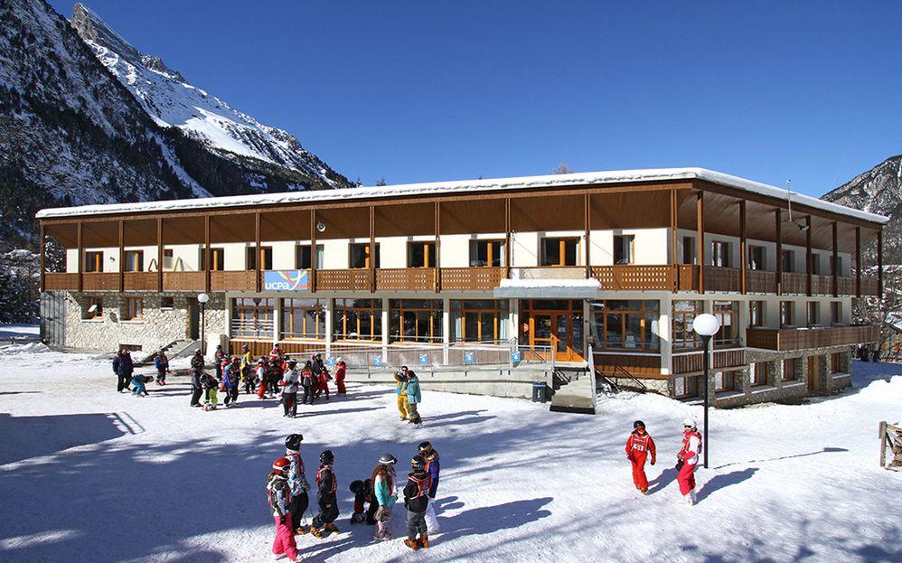 Village-vacances-sportif-Pralognan-la-Vanoise-station-de-ski.jpg