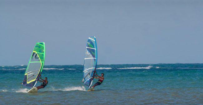 catamaran-windsurf-et-kayak-aux-Saintes-Antilles.jpg