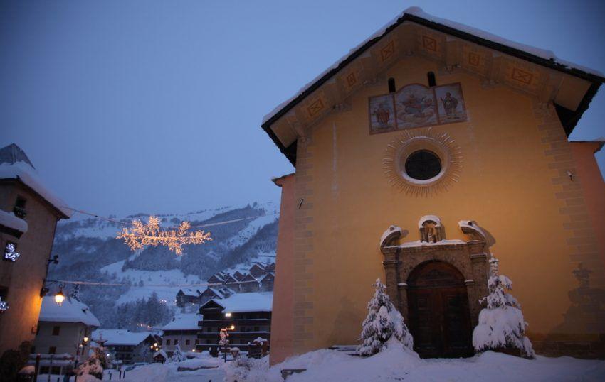 Station-de-ski-pour-le-Nouvel-an-Valloire.jpg