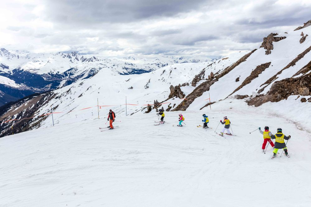 Moniteur-ski-colonies-montagne